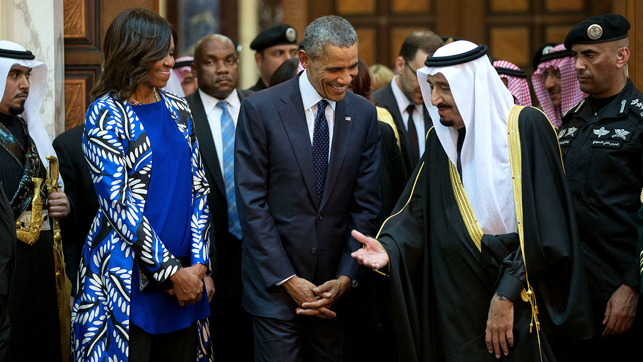 president_barack_obama_and_first_lady_michelle_obama_walk_with_king_salman_of_saudi_arabia_jan-_27_2015
