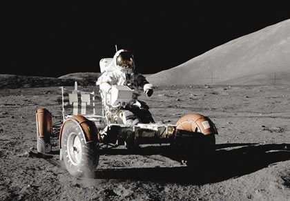 4403-hzl-pic9-lunar_rover
