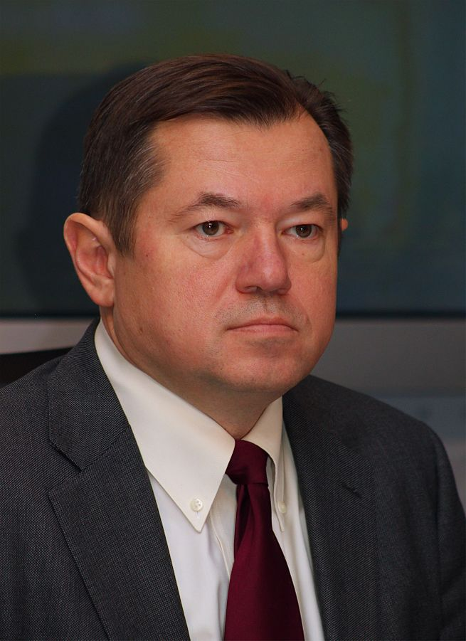 Sergei Glazyev calls for a new world financial architecture during a press conference in Moscow in 2004