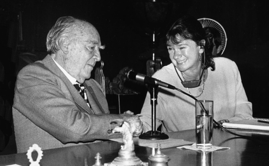Helga Zepp-LaRouche and former President López Portillo at a press conference in Mexico in 1998