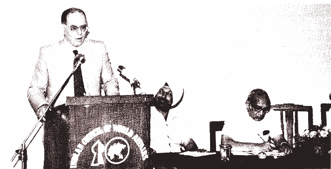 Lyndon LaRouche speaks at Indian Council on World Affairs after meeting with Prime Minister Indira Gandhi in April 1982