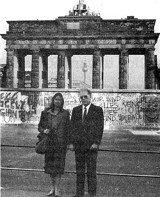 Lyndon and Helga LaRouche stand in front of Berlin Wall in 1988, one year before its fall